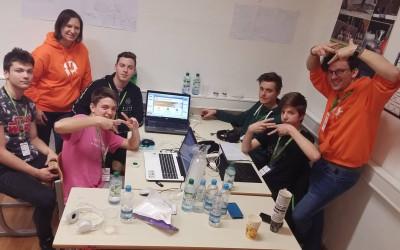Dijaki podjetniškega krožka na StartUp vikendu