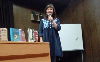 Anja Štefan predstavila svoje ustvarjanje na ŠC Postojna